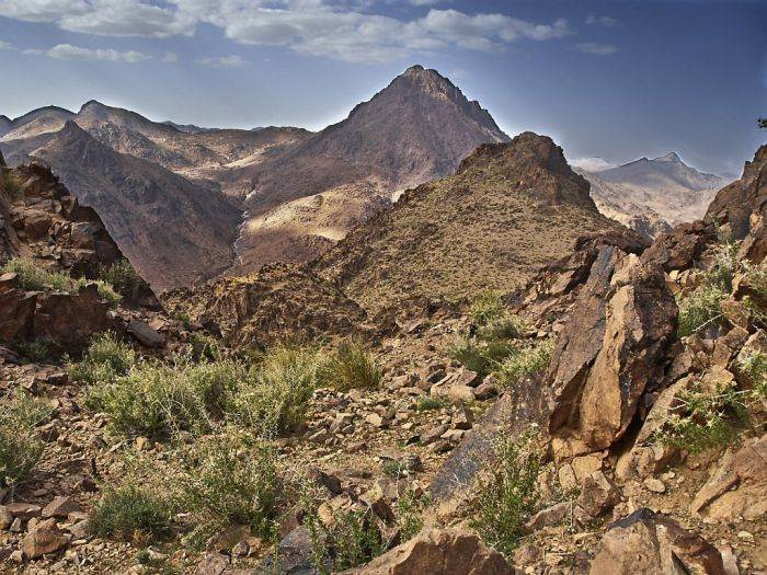 hiking tours in morocco